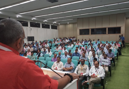 Important to develop more Agro Clusters under MSME for employment generation: Giriraj Singh