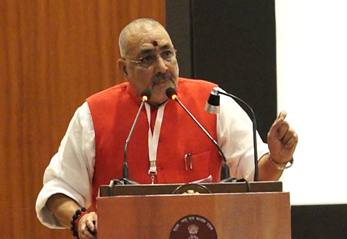 Finance Minister has assured to look into problems faced by MSMEs in GST regime: Giriraj Singh (Watch Video)