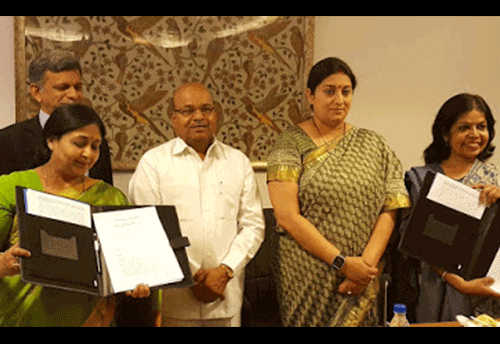 Textile Ministry signs MoU for welfare of Handicraft Artisans belonging to Scheduled Castes