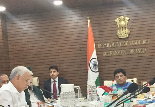 Commerce Minister consults Traders and MSME bodies on e-commerce