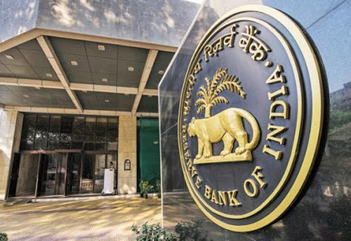 SC asks Centre, RBI to hold meeting this weekend to clarify position on waiver of interest on loan moratorium